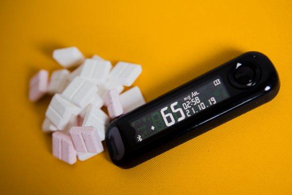 Blutzuckermessgerät und Traubenzucker